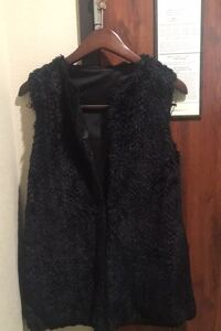 Betsy Johnson Black Faux Fur Vest  Size:4 (XS) runs big