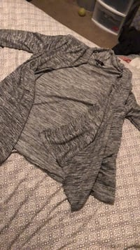 Grey cardigan, never worn, Size L Fresno, 93727