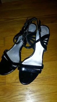 Women's heels about 2 inches good size 7  Silver Spring, 20901