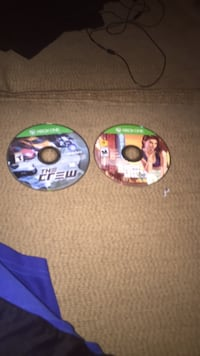 two Xbox One game discs Dover, 19904