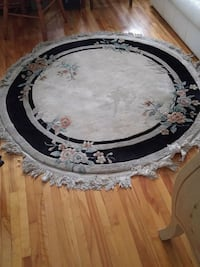 round white and black floral area rug Montreal, H3W