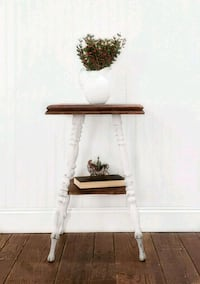 Accent Table/End Table  Aldie, 20105
