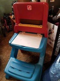 toddler's red and blue Step2 seat  Toronto, M3N 1T1