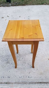 Accent Table - solid pine Charlotte, 28277
