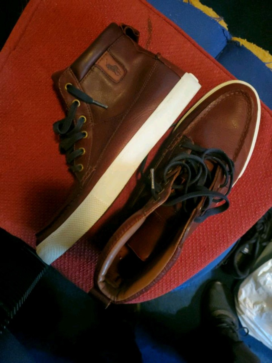 Photo Polo dark tan boots. Size 10 1/2 great condition.