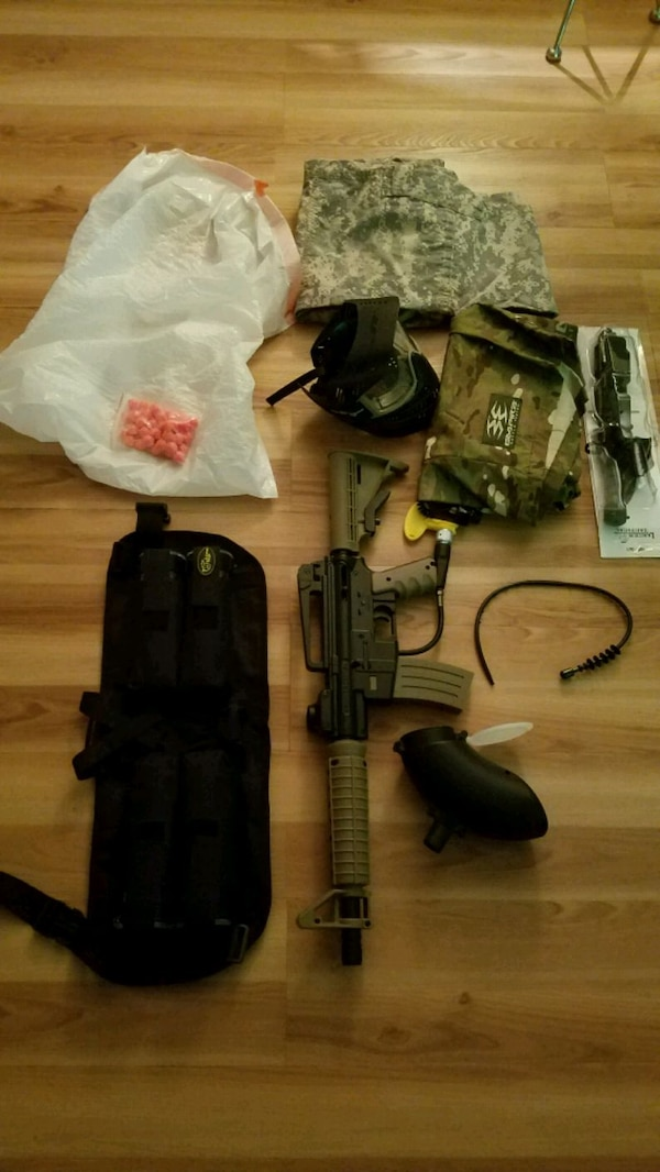 Paintball set never used incl1000 rnds + clothes