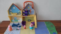 Peppa pig house and family