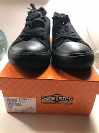 pair of black leather shoes with box San Jose, 95122
