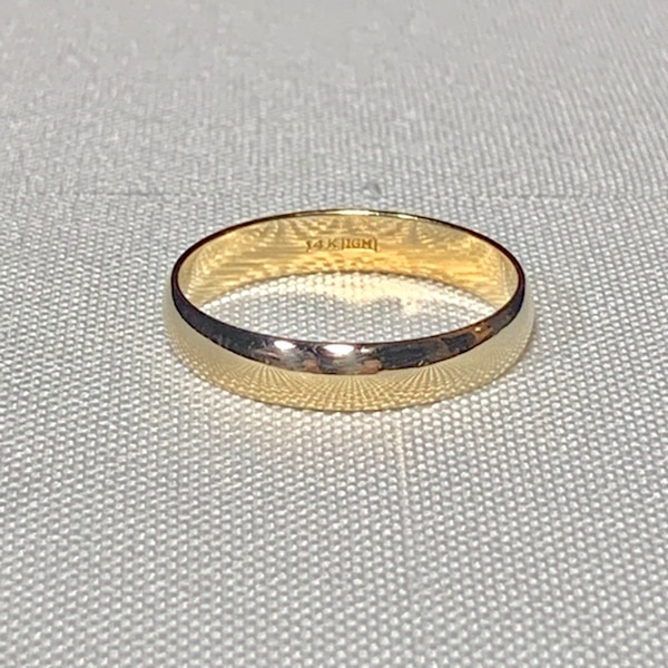Men's 14k Yellow Gold Wedding Band Ring f1e455fb-9d05-4743-a3aa-2bdb4e6ac375
