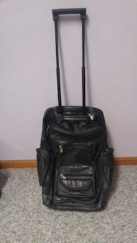 4 piece leather luggage set. Omaha, 68116