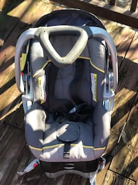 Baby Trend Car Seat and Base Washington