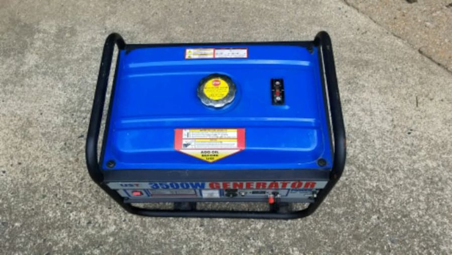 Barely Used 3500w Generator 641bdd8f-d0a7-4292-a913-8cac5d0a3280