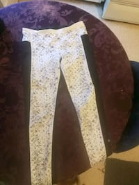 SIZE 8 LULU PANTS Winnipeg, R2K 1P7