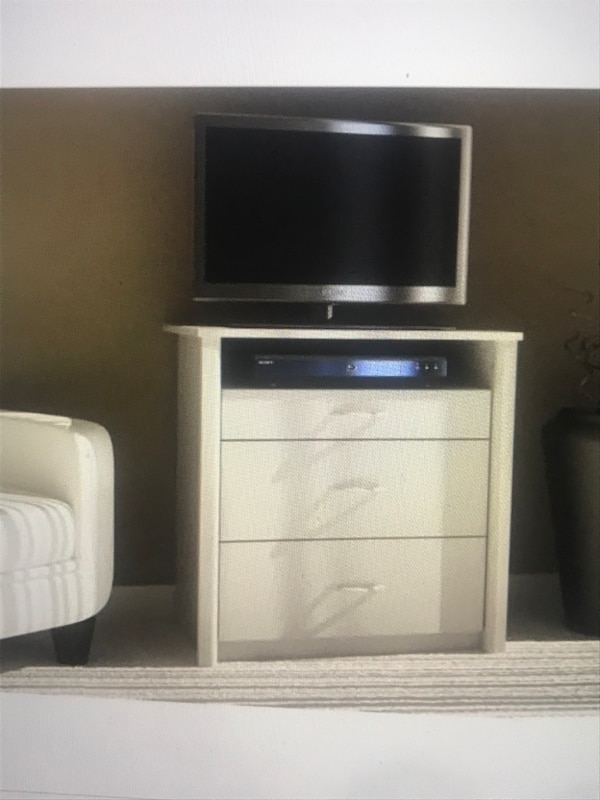 3 drawer bedroom TV stand stand or night stand