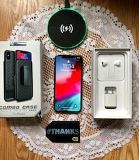 iPhone X 64GB Unlocked Space Gray w/ Accessories  Brookhaven, 11790