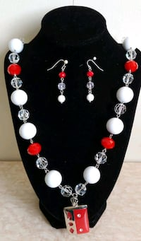 beautiful set of necklace and earrings Toronto, M5T 2K6