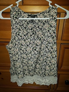 Forever 21 XS/S Floral Tank