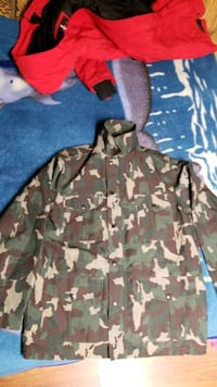 Army jacket very good condition  Toronto, M1B 1S4