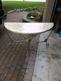 Table Barrie, L4N 0T3