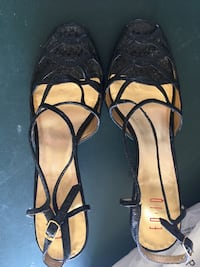 Real leather with snake skin texture  ladies heels Calgary, T2Y 3S3