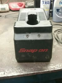 Snap-on power tool battery charger without the bat