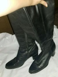 pair of black leather knee-high boots Los Angeles, 91311