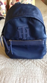Purse size Tommy Hilfiger backpack excellent condition  Dublin, 94568