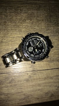 round black chronograph watch with link bracelet Toronto, M1G 1R8