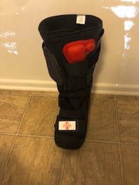 Supportive Boot with Pump. All Genders.