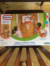 Little tikes attach and play - brand new