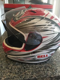 Bell motorcycle helmet size small