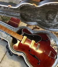 Gibson Hollow-Body Japan Replica Guitar With Case and Hanger San Diego, 92128