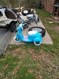 Child's 3 Wheel Electric Scooter  Metairie, 70005