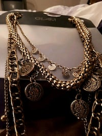 gold chain link necklace with lobster lock Calgary, T3J 3Z9