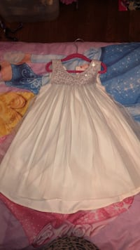 Dress child size 7 Rutherford, 07070