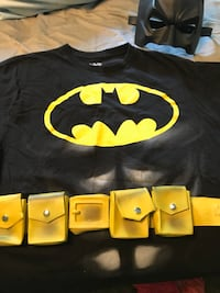 Batman costume. Shirt size Men's XL Roanoke, 24018