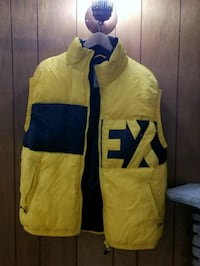 yellow and blue zip-up vest Toronto, M9R 1P4