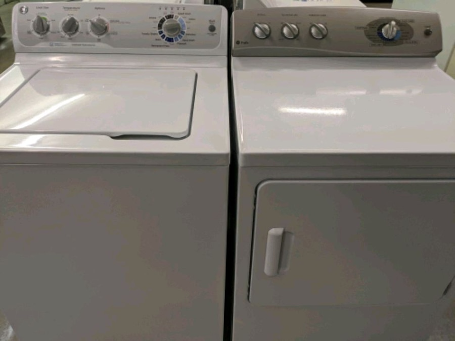 Photo White GE top load washer and dryer set 52