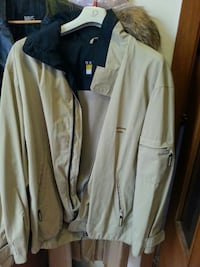 Giacca a zip in beige