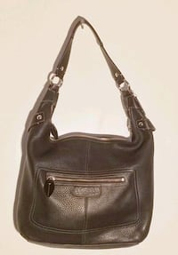 ☆ ☆ ☆ ☆ reduced must go☆☆☆  Authentic Coach Leather Purse Vancouver, V6E 1K1