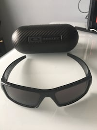Oakley Sunglasses (Black) with carrying case Markham, L3R 3S2