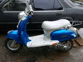 2009 Scooter with title  360 miles