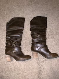 Size 7.5 boots