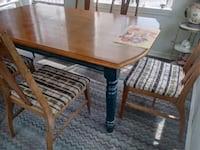 Dining room table with 6 chairs good cond. Denver, 80229