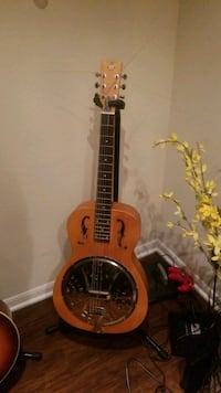 Dobro resonator w/case and stand Fairfax