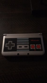 Black and gray NES custom 3Ds XL played only once  51 km