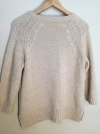 Women's gray knit sweater Gaithersburg, 20878