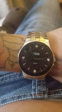 round gold-colored analog watch with link bracelet Winnipeg, R2K 3E4