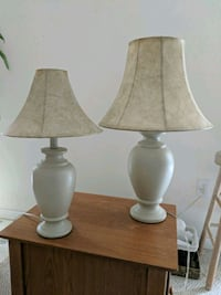 2 lamps matching but different sizes Jackson, 08527