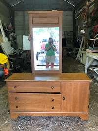 Dresser with mirror Salisbury, 28144